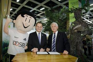 DOSB und DFWR unterzeichnen Kooperationsvereinbarung